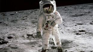 Astronauci szybsi niż myślano. Po Księżycu pobiegną z prędkością 7,2 km/h