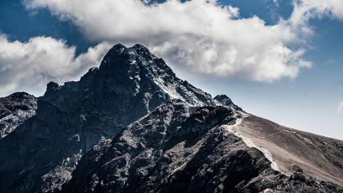 W Tatrach zginął turysta. <br />Warunki w górach nadal są trudne